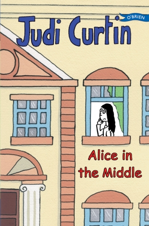 Alice In The Middle - Judi Curtin